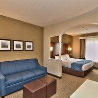 Photo taken at Comfort Suites Scranton Hotel Moosic by Yext Y. on 5/21/2016