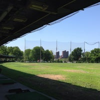 Photo taken at Randalls Island Golf Center by Matthew🗽 on 7/11/2014