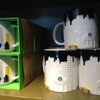 Photo taken at Starbucks by Matthew🗽 on 4/10/2013