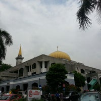 Photo taken at Masjid Saidina Abu Bakar As-Siddiq (مسجد سيدنا ابو بكر الصديق) by wahirahim on 7/5/2013