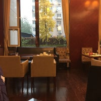 Photo taken at 北京中关村皇冠假日酒店 Crowne Plaza Beijing Zhongguancun by Linda W. on 11/19/2015