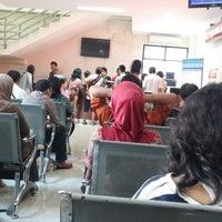 Photo taken at Kantor Imigrasi Kelas 1 Jakarta Pusat by Nanda Putra W. on 9/19/2014