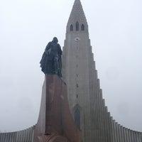 Photo taken at Church of Hallgrímur by Viral S. on 4/19/2013