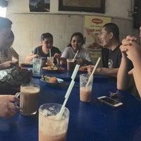 Photo taken at Restaurant Ali Tayton View by Kaycee R. on 5/26/2015