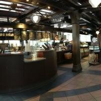 Photo taken at Starbucks by Lin H. on 4/20/2013