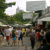 Photo taken at Chatuchak Weekend Market by Shahril on 4/20/2013
