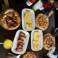 Photo taken at Pizza Hut by Vilah on 12/1/2014