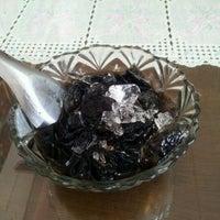 Photo taken at Aim Aun Suki Rice and Steak by T.MoN on 4/12/2012