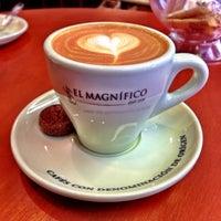 Photo taken at Cafés El Magnífico by S.kipp on 6/14/2013