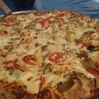 Photo taken at Pizzas del Pacifico by Manuel V. on 12/1/2014