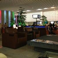 Photo taken at Salón Premier Aeromexico by Luy A. on 7/5/2013