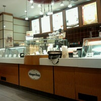 Photo taken at Haagen-Dazs by Lhean A. on 1/23/2013