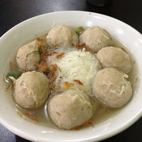 Photo taken at Bakso Jawir Tanjung Duren by anne t. on 1/3/2013