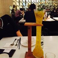 Photo taken at 港丽餐厅 Charme Restaurant by Yan L. on 9/5/2015