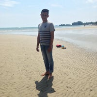 Photo taken at Port Dickson Beach by Syezrie H. on 7/23/2016