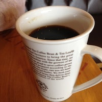 Photo taken at The Coffee Bean & Tea Leaf by SH J. on 9/29/2012