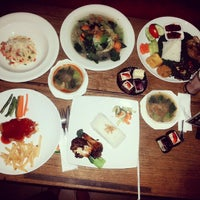 Photo taken at Green Cafe & Resto by annisa nuzulul n. on 7/2/2015
