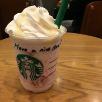 Photo taken at Starbucks Coffee なんば南海通店 by ななひょん on 9/18/2016