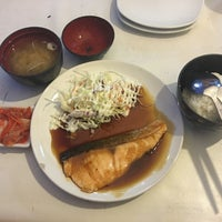 Photo taken at Aroi-Jung Teriyaki by Eve' E. on 4/24/2016