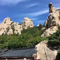 Photo taken at 봉정암 (鳳頂庵) by Dooshik S. on 9/15/2016