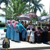 Photo taken at Puteri Gunung Hotel & Conference by Heru M. on 10/3/2015