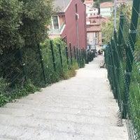 Foto tirada no(a) Burhaniye Mahallesi Metrobüs Durağı por Alper A. em 4/12/2016