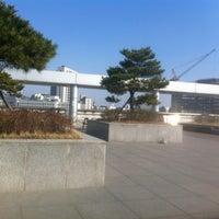 Photo taken at Yonsei University Cafe Tresbien by Sayel C. on 3/25/2013