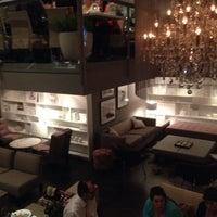 Photo taken at Lola Restaurante & Lounge by Lineu P. on 12/19/2013