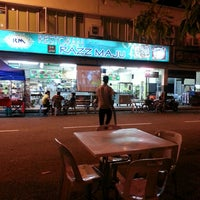 Photo taken at Restoran Razz Maju by SharonShines on 5/29/2013