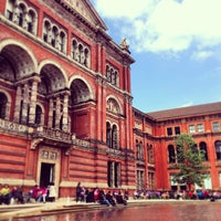 Photo taken at Victoria and Albert Museum (V&A) by Juliet S. on 5/25/2013