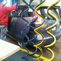 Photo taken at Downtowner Car Wash by Noel N. on 12/21/2012