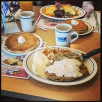 Photo taken at IHOP by Eduardo Henrique T. on 4/24/2014