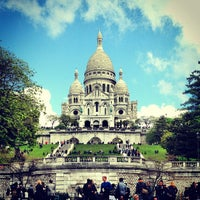 Photo taken at Basilique du Sacré-Cœur de Montmartre by Ali Rıza B. on 5/25/2013