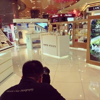 Photo taken at Parkson by Valentino C. on 2/7/2013