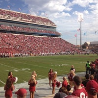 Photo taken at Gaylord Family Oklahoma Memorial Stadium by Aaron V. on 11/10/2012