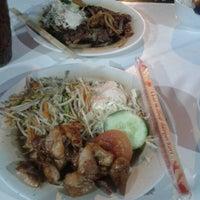 Photo taken at Qudama Japanese Food by Ayu T. on 3/22/2012
