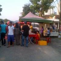 Photo taken at Bazar ramadhan Tmn. Selasih by Ahmad Farouk on 7/28/2012