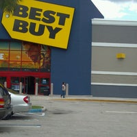 Photo taken at Best Buy by Maria D. on 5/20/2012
