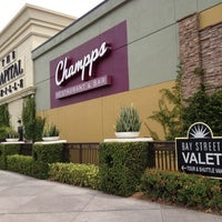 Photo taken at Champps Restaurant & Bar by Jrgts on 4/18/2012
