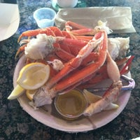 Photo taken at Flo's Clam Shack by Vinrock76 on 5/24/2012