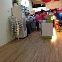 Photo taken at Lohas Tea Shop (Bubble Milk Tea) by John Lau on 5/10/2012
