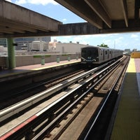 Photo taken at MDT Metrorail - Civic Center Station by Irvin on 3/23/2012