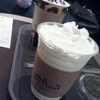 Photo taken at Zoo Coffee by 앙꼬 ♥. on 12/23/2011
