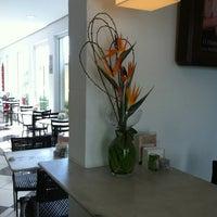 Photo taken at Fran's Café by Grazielle Abrikian T. on 8/3/2012