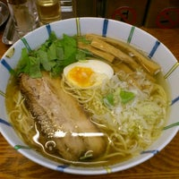Photo taken at 麺屋 ひょっとこ by Takuya I. on 6/1/2012