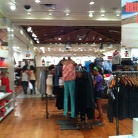 Photo taken at American Eagle Outfitters by Nayda P. on 7/21/2012