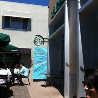 Photo taken at Starbucks by Luis S. on 8/19/2011