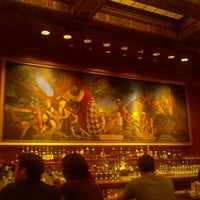 Photo taken at Pied Piper Bar & Grill by Miriam K. on 9/4/2011