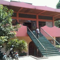 Photo taken at Mesjid Mualimin Cigadung by HSBDO on 7/27/2012