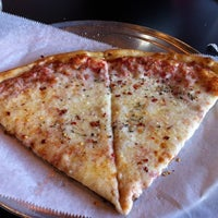 Photo taken at Gables Pizza & Salad by Carlos Q. on 4/12/2012